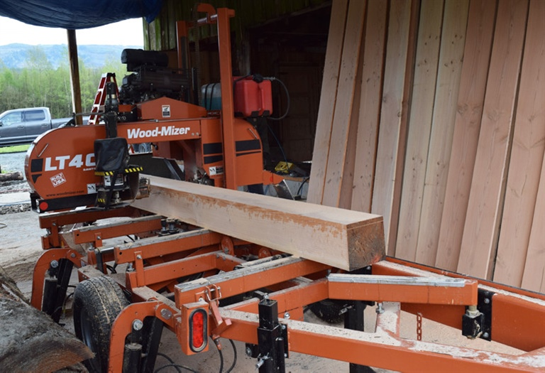 how to make a portable sawmill